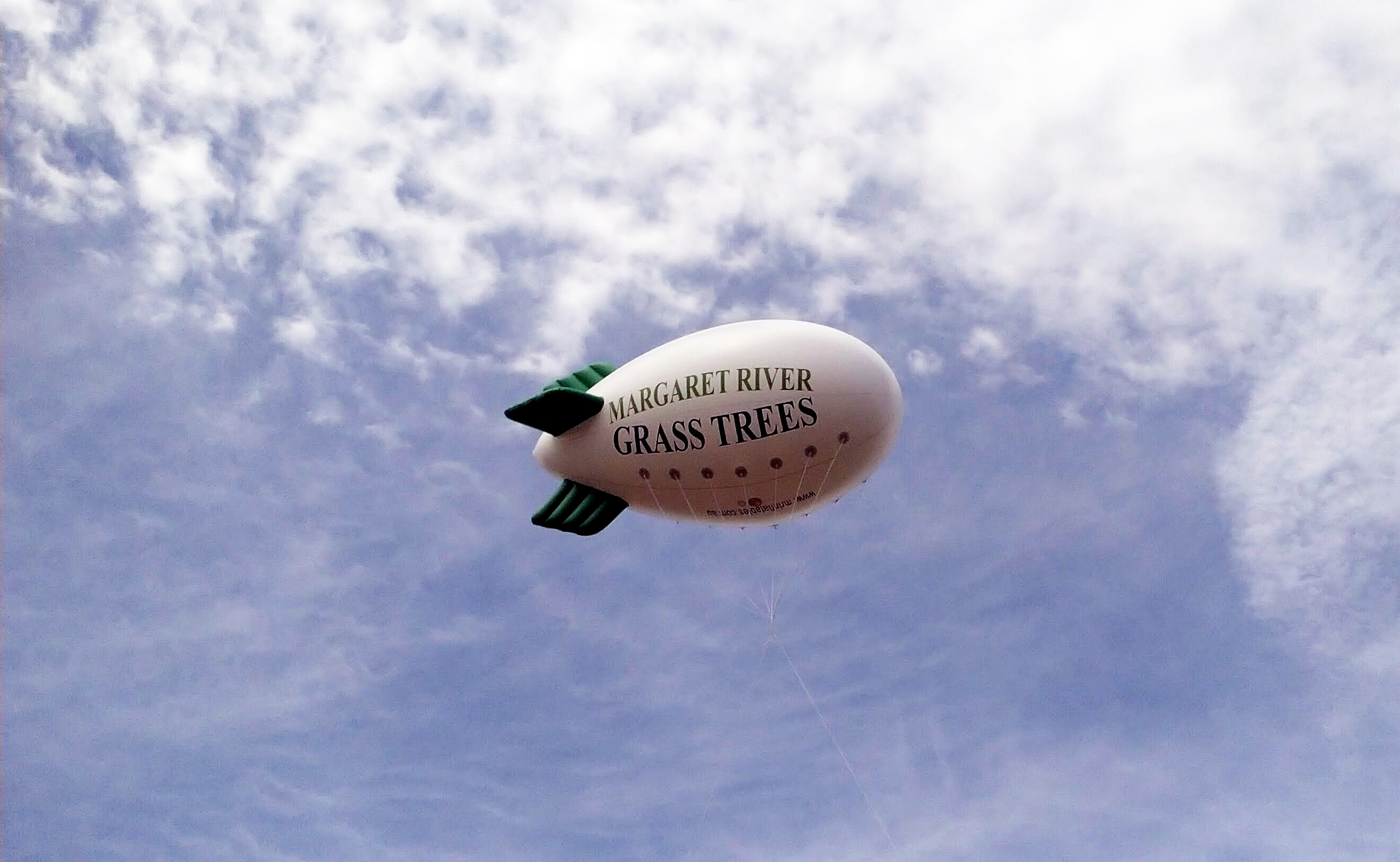 Anti Gravity Advertising Device