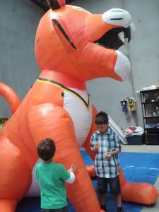 characters-and-mascots-inflatable-030