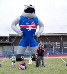characters-and-mascots-inflatable-054